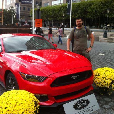 Un Mustang rojo