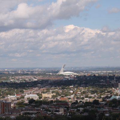 Estadio Olimpico de Montreal desde el Mont-Real
