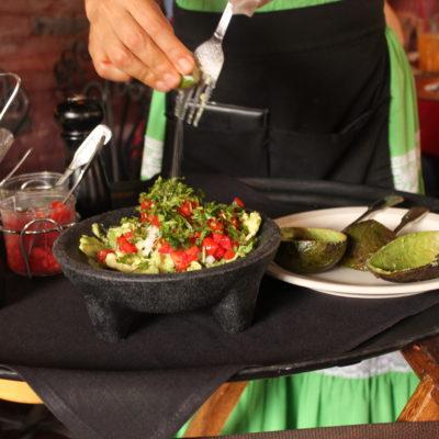 Trajeron todos los ingredientes preparados y nos hicieron en guacamole delante de la mesa, muy original