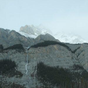 ¿Veis como está congelada la cascada?