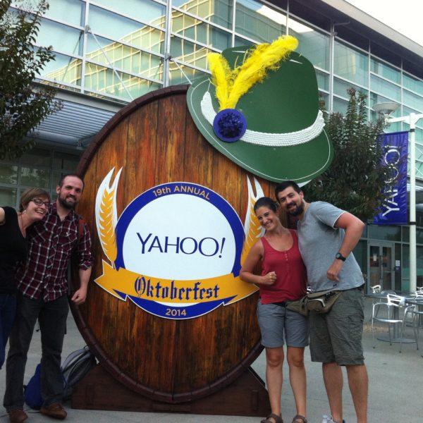 Con Adri y Lidia en el OktoberFest de Yahoo!