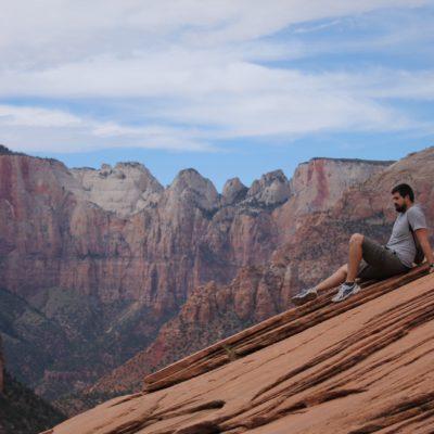 Nico descansando con estas impresionantes vistas