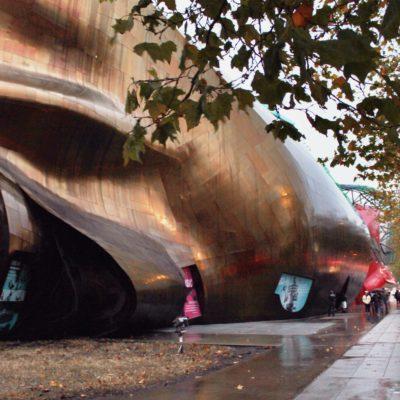 El museo de la música de Gehry, ¿nunca lo hubierais acertado eh?