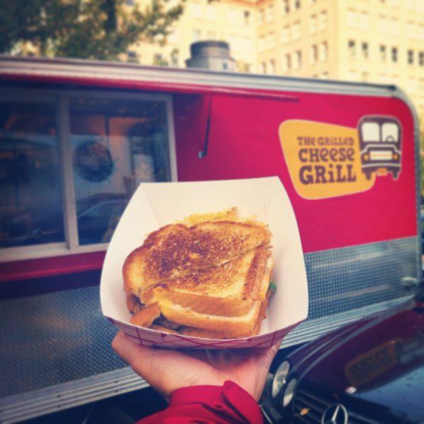 """""""The Chesus"""", los panes del sandwich realmente son 2 sandwiches de queso"""