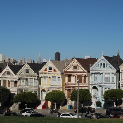 "Las Painted Ladies, famosas por series como ""Padres Forzosos"""
