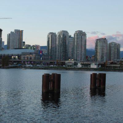 Parte del centro de Vancouver y el Rogers Stadium