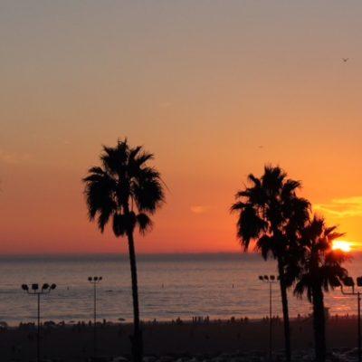 Gran atardecer en la playa de Santa Mónica