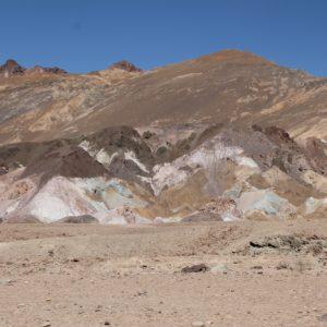 Colores naturales que afloran en las rocas por los minerales... Painter's pallette