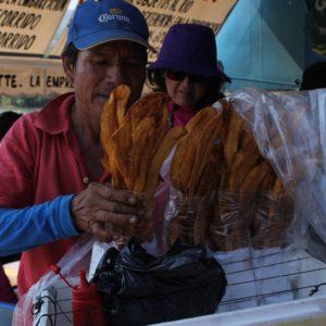 Al volver del tour, nos esperaban estos snacks... Plátano frito