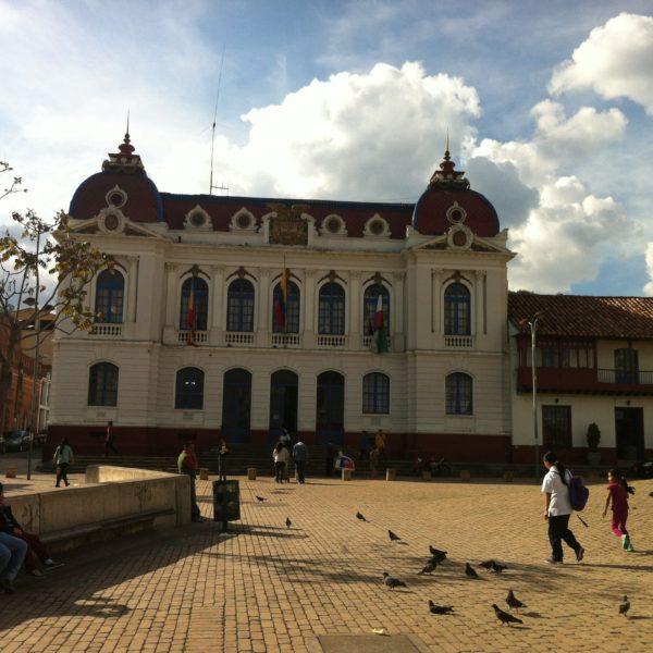 Edificios como éste decoran la plaza principal