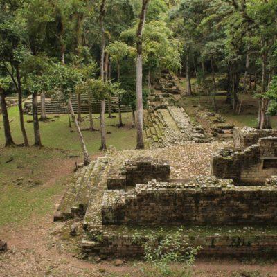 Por supuesto, Copán también tiene ruinas como las que hemos estado viendo hasta ahora