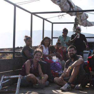 Y así de felices íbamos en la camioneta con los guatemaltecos