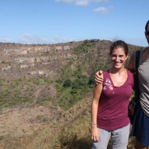 Con Exeus y uno de los cráteres inactivos del cerro de Masaya