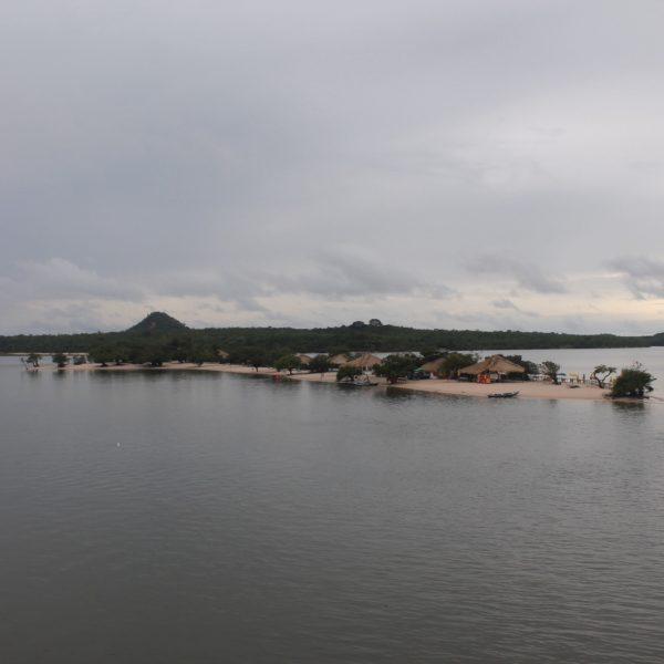 Dependiendo de la altura del agua en el río, la Ilha do Amor cambia totalmente de aspecto