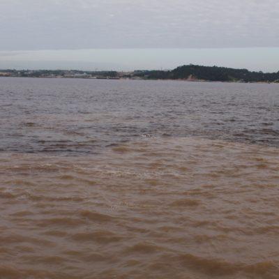Aunque el tiempo no ayudaba, se puede ver claramente el agua de los 2 ríos