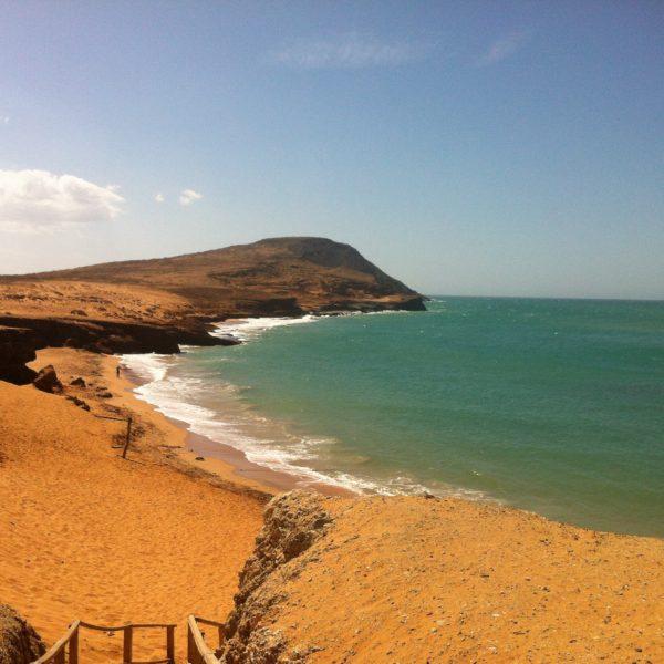 Las vistas de esta playa donde nos bañamos desde el Pilón de Azúcar son preciosas