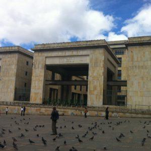 El Palació de Justicia también se encuentra en la plaza Bolivar