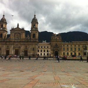 La Catedral de Bogotá también se encuentra en la plaza Bolivar