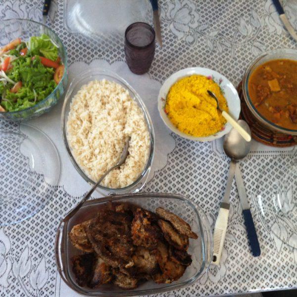 El primer día la mesa era totalmente brasileña, con el mocotó a la derecha del todo