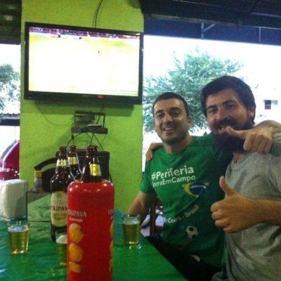 Nico y Crespo más que felices de estar juntos viendo el Barça, como en los viejos tiempos