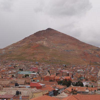 El Cerro de Potosí y parte de la ciudad desde la torre panorámica