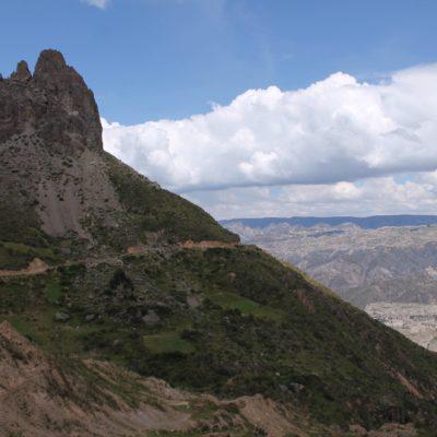 La Muela del Diablo, llamada así por su forma se asomaba de esta manera en esta montaña