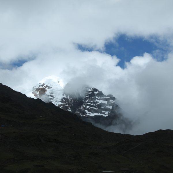 De casi 5700m, pasamos muy cerca del imponente Nevado Verónica