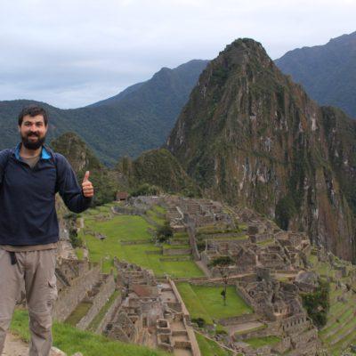 Esta es la primera gran vista que vimos de la ciudadela, con la montaña Huayna Picchu de fondo