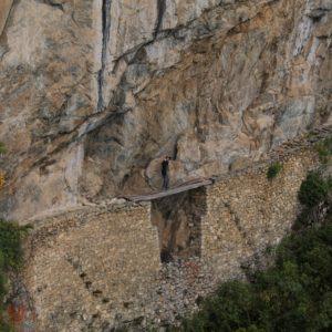 """Lo que una vez fue el """"puente del inca"""", conectaba a través de caminos de montaña con otros ciudades"""
