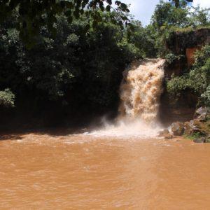 Esta otra cascada también está cerca de la de Amor, pero el agua caía con demasiada fuerza para el baño