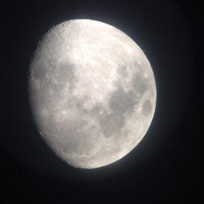 Ver la luna en todo su esplendor nos impacto