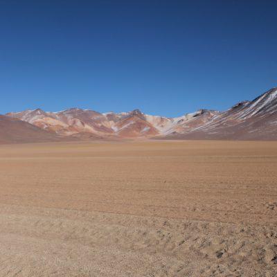 Estas montañas al otro lado del desierto de Dalí, nos parecieron mucho más bonitas