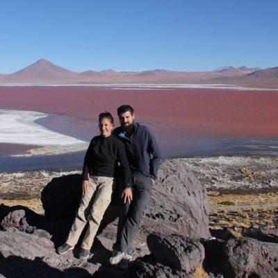 El color rojo de la laguna Colorada es realmente intenso