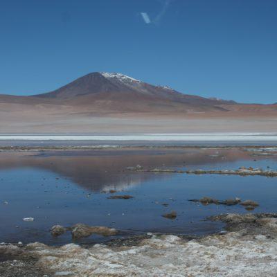 La laguna Chiarkota, atentamente observada por esta montaña, como muchas otras