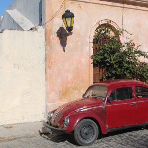 Nos encontrámos muchos coches antiguos esparcidos por todo el pueblo, creando bonitas estámpas pintorescas