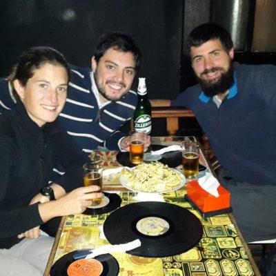 Buena compañía en Montevideo: Nacho, comida y cerveza