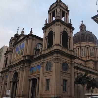 Y como toda gran ciudad, la catedral metropolitana