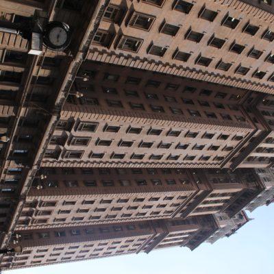 Los últimos pisos del edificio Martinelli, construido para oficinas, albergaba la mansión de Martinelli, que vivía allí para demostrar que era un edificio seguro a pesar de su altura