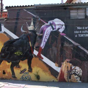 Nos llamó mucho la atención también este graffiti sobre los toros