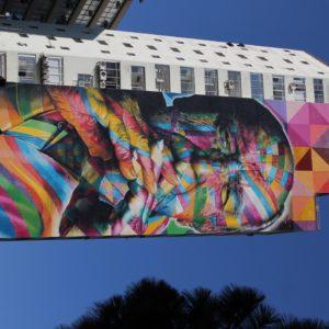 Con este graffiti de Oscar Niemeyer en la avenida Paulista, el graffitero Kobra nos ha terminado de enamorar