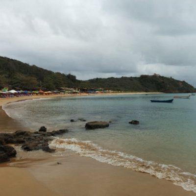 La Praia Tartaruga está apartada pero llena de chiringuitos y un restaurante chulísimo