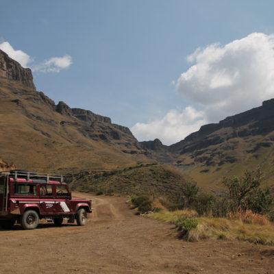 """Desde el lado sudafricano sólo es posible subir el """"Sani Pass"""" en 4x4"""