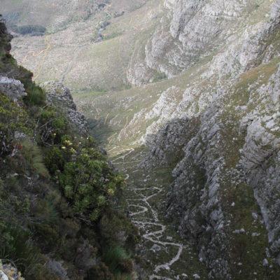 """La sinuosa bajada de la """"Montaña Mesa"""""""