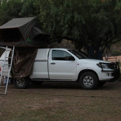 Esta tienda de techo era lo que más vimos en Namibia, pero a nosotros no nos llegaba para tanto