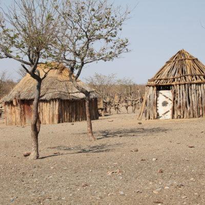 Dependiendo de su función, las casas himba se construyen de manera y con materiales diferentes
