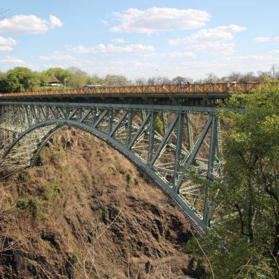 El puente sobre el río Zambezi que hace de frontera entre ambos países