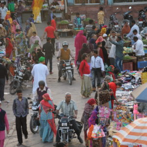 El ajetreado mercado visto desde la Torre del Reloj