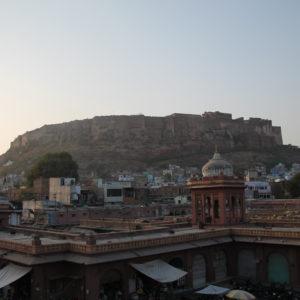 La mejor vista del Fuerte de Mehrangarh la encontramos desde la Torre del Reloj