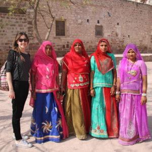 Aunque parecen no estar muy contentas, estas mujeres accedieron a sacarse la foto con Amaia