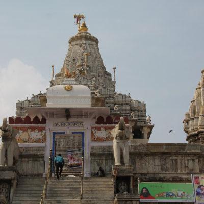 El gran templo jainista de Udaipur
